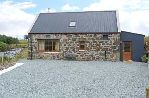 Last Minute Cottages - Quaint Staffin Cottage S9673