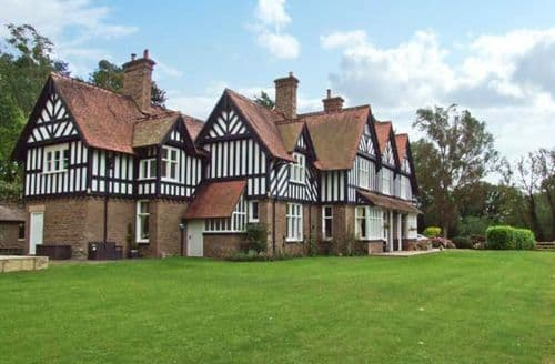 Last Minute Cottages - Charming Hereford House S2282
