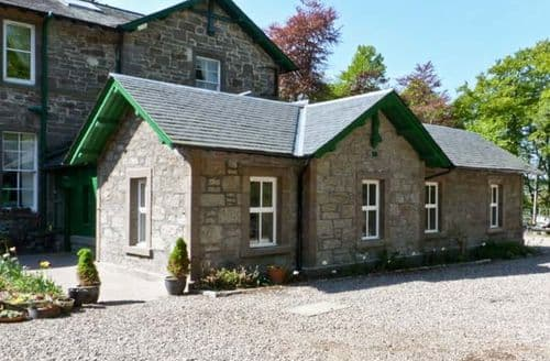 Big Cottages - Beautiful Forfar Cottage S5242