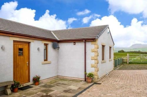 Last Minute Cottages - Charming High Bentham Cottage S12626