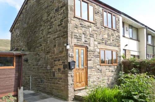 Big Cottages - Stunning Todmorden Side S3592
