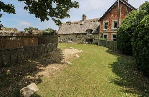 Big Cottages - Gorgeous Freshwater Cottage S3766