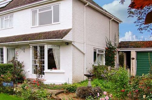 Last Minute Cottages - Superb Whitchurch Cottage S3795