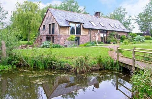 Last Minute Cottages - Delightful Abergavenny Granary S5602