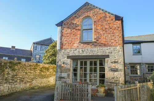Last Minute Cottages - Attractive Saint Columb Smithy S2484