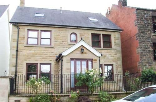 Last Minute Cottages - Stunning Matlock House S3966