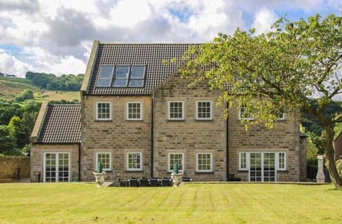 Big Cottages - Stunning Millhouse Green Cottage S39297