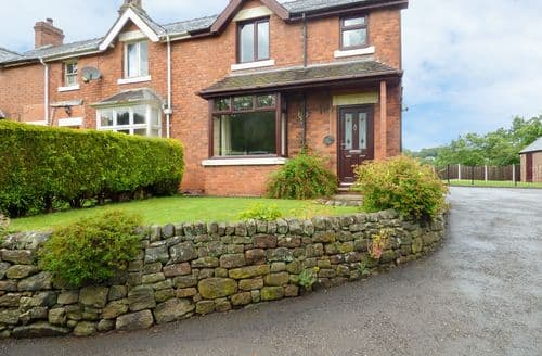 Big Cottages - Gorgeous Stoke On Trent Cottage S4043