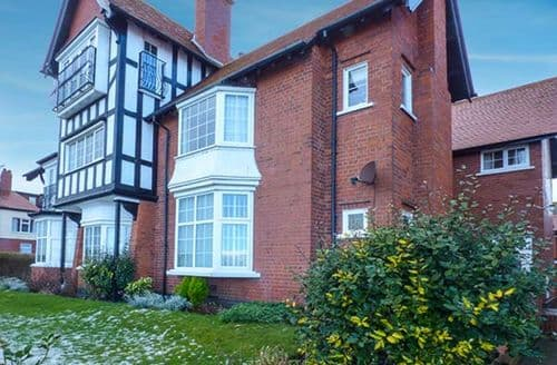 Last Minute Cottages - Tasteful Bridlington Court S4078