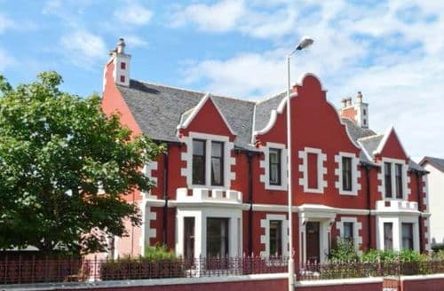 Last Minute Cottages - Delightful Stornoway Apartment S5919