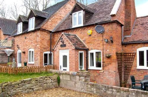 Last Minute Cottages - Captivating Telford Cottage S2673