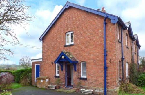 Last Minute Cottages - Superb Bridgnorth Cottage S2680
