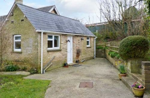 Last Minute Cottages - Attractive Totland Bay Farm S4193