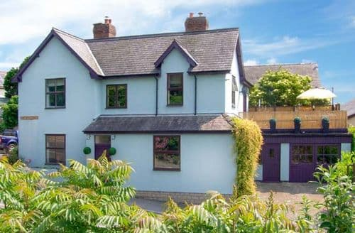 Last Minute Cottages - Luxury Bishops Castle Manse S2772