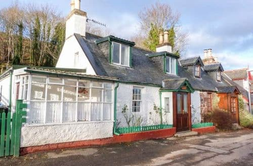 Last Minute Cottages - Cosy Strathpeffer Cottage S76949
