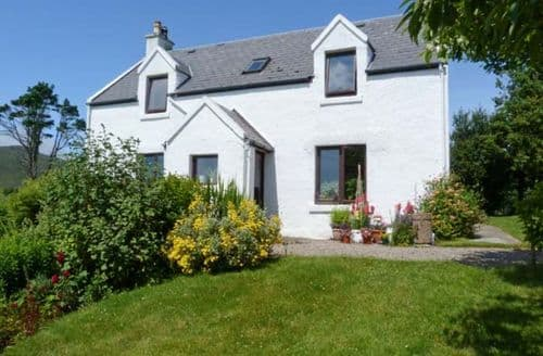 Last Minute Cottages - Captivating Acharacle Apartment S6243