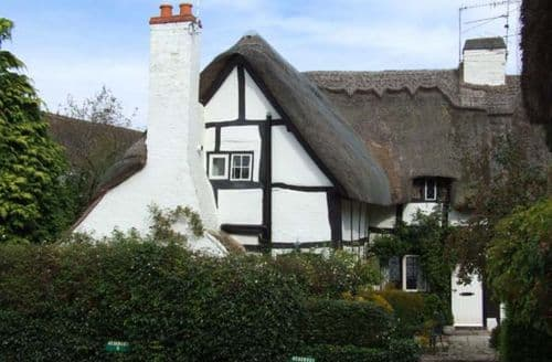 Last Minute Cottages - Excellent Stratford Upon Avon Cottage S2784