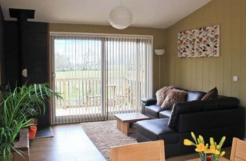 Last Minute Cottages - Cosy Craven Arms Lodge S2821