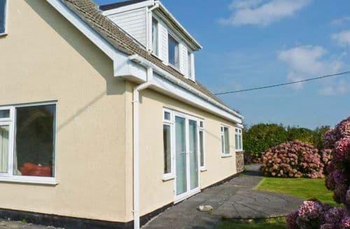 Last Minute Cottages - Attractive Rosudgeon Cottage S12585