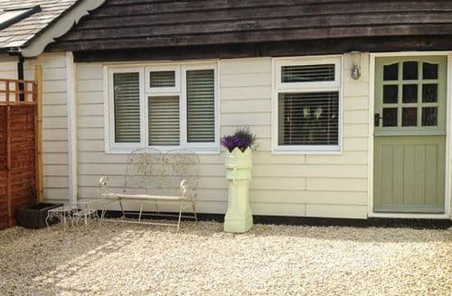 Last Minute Cottages - Adorable Sturminster Newton Cottage S2850