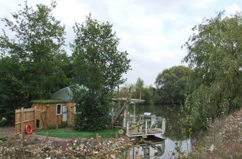 Last Minute Cottages - Quaint Tewkesbury Yurt S2864