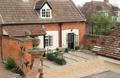 Last Minute Cottages - Quaint Worton Cottage S97089