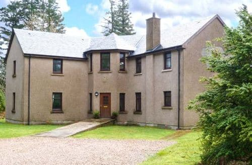 Big Cottages - Stunning Fort William House S6493