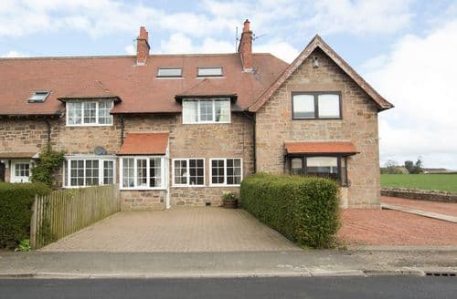 Big Cottages - Charming Berwick Upon Tweed Retreat S4572