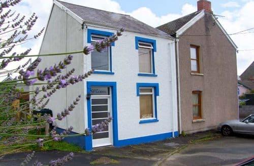 Big Cottages - Quaint Ferryside Cottage S9141