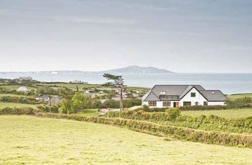 Big Cottages - Quaint Holyhead Awel S6561