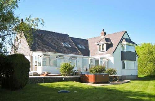 Big Cottages - Captivating Penmynydd Rental S13509