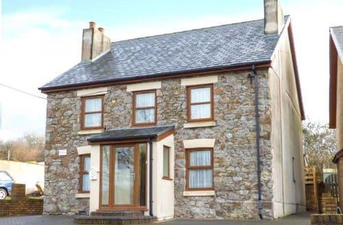 Big Cottages - Cosy Mynyddygarreg Rental S13361