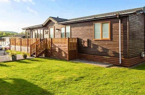 Last Minute Cottages - Wonderful Tewitfield Lodge S73864