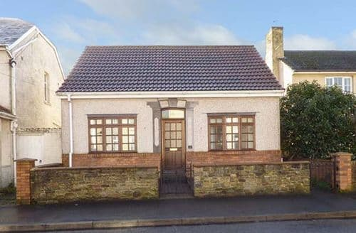 Last Minute Cottages - Cosy Burry Port Rental S24826