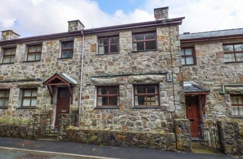 Big Cottages - Gorgeous Beddgelert Cottage S45038