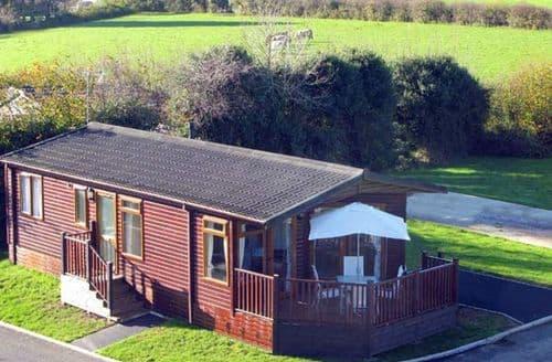 Last Minute Cottages - Cosy St. Teath Lodge S12922