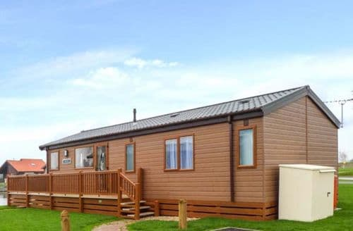 Last Minute Cottages - Charming Tattershall Lodge S12918