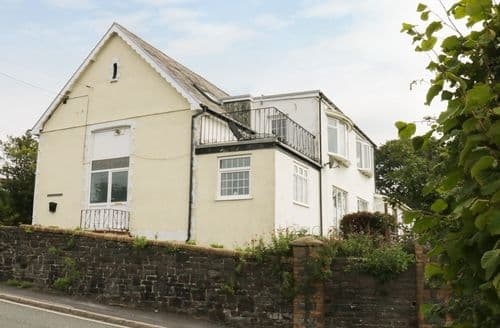 Big Cottages - Cosy Burry Port Rental S13506