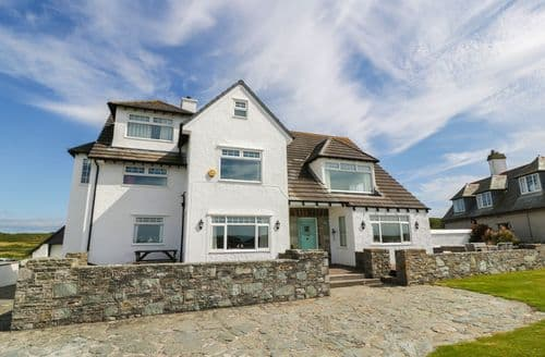Big Cottages - Attractive Trearddur Cottage S43722