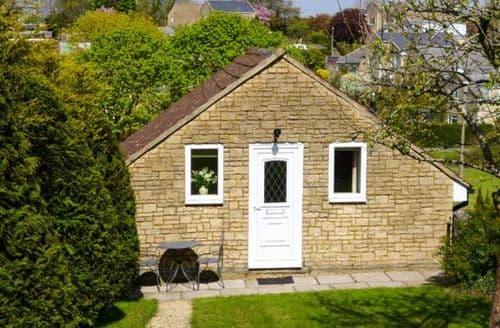 Last Minute Cottages - Wonderful Corsham Apartment S26139