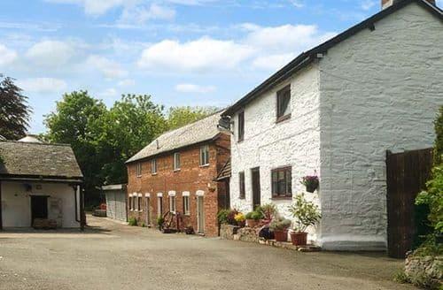 Big Cottages - Attractive Montgomery Cottage S39484