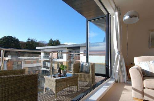 Last Minute Cottages - Lovely Porthpean Apartment S39648