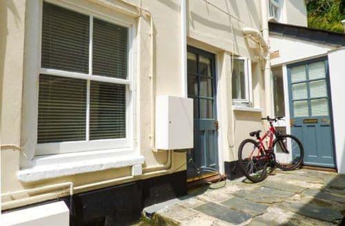 Last Minute Cottages - Excellent Penryn Apartment S38107
