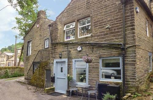 Last Minute Cottages - Excellent Haworth Cottage S37952