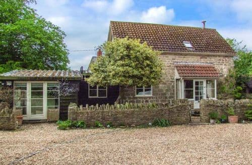 Last Minute Cottages - Delightful Coughton Cottage S43727