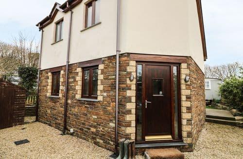 Last Minute Cottages - Quaint Cubert Cottage S38612
