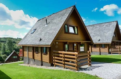 Last Minute Cottages - Delightful Sandyhills Lodge S45219