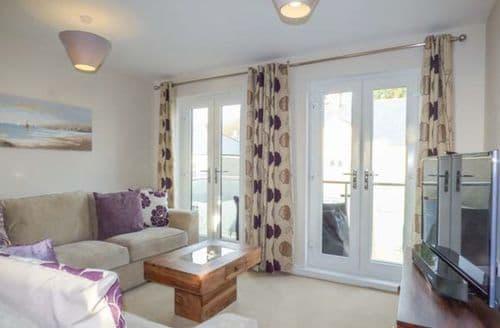 Last Minute Cottages - Luxury Porthpean Apartment S43637