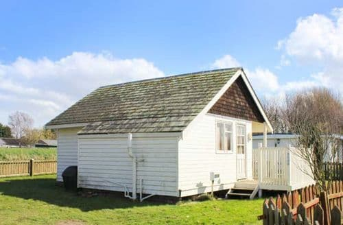 Last Minute Cottages - Attractive Humberston Lodge S46045