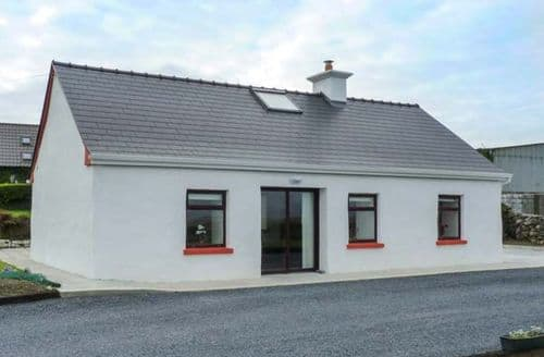 Last Minute Cottages - Cosy Galway Cottage S42403